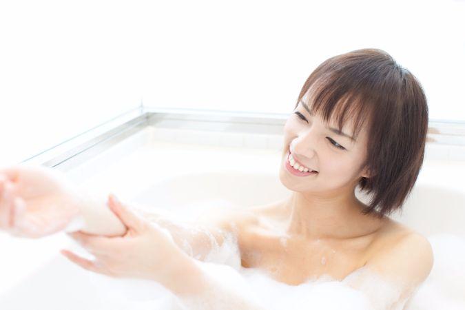 バスタイムで効率よくダイエット!お風呂でお腹を細くする方法
